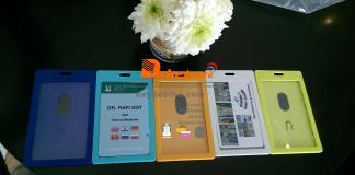 bao chứa thẻ hộp nhựa đa sắc : xanh ngọc xanh dương cam xanh lá loại đứng