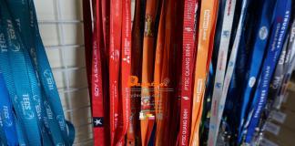 Dây đeo thẻ màu đỏ KTG ,LOTTE ,US CONSULATE, COLGATE