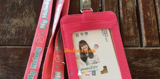 dây đeo thẻ màu hồng phấn