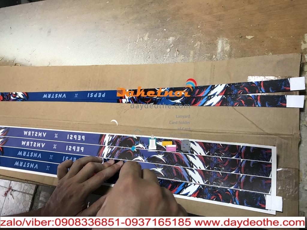 sản xuất dây đeo thẻ ,dây đeo móc khóa , vòng đeo tau ,dây đeo huy chương… không hạn chế màu sắc