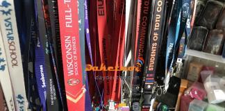 sản xuất dây đeo thẻ ,dây đeo móc khóa , vòng đeo tau ,dây đeo huy chương… không hạn chế màu sắc Nhăm đáp ứng nhu cầu tổ chức sự kiện , hội thảo nhanh gấp ,chúng tôi hân hạnh ra qui trình sản xuất mới dây đeo thẻ satanh in nhanh lấy gấp trong vòng 1-2 ngày làm việc. Vui lòng gửi sẵn file thiết kế định dạng AP /COREL DRAW để tiết kiệm thời gian sản xuất. Hướng dẫn mua hàng : VUI LÒNG LIÊN HỆ SỐ PHONE (ZALO) /VIBER : 0908336851 -0937165185 Showroom trưng bày : BLOCK B3 KDC KỶ NGUYÊN – ĐỨC KHẢI , ĐƯỜNG 15B NGUYỄN LƯƠNG BẰNG(NGÃ TƯ PHẠM HỮU LẦU) ,P PHÚ MỸ QUẬN 7 ZALO/VIBER : 0908 336851 – 0937165185 Email : daydeothe1@gmail.com – daydeothe2@gmail.com